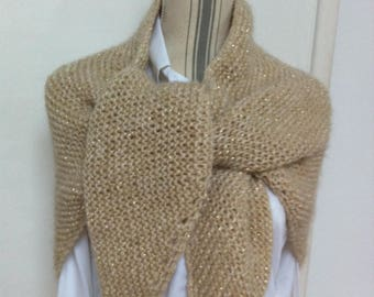 Trendy shawl wool wheat + very light gold thread