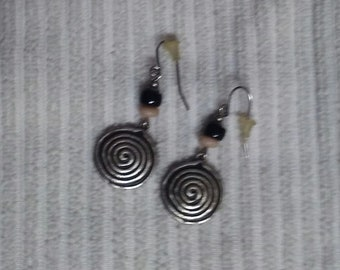A Pair of Dangle / Pierced Earrings
