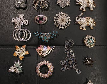 Vintage lot of Unsigned silver tone rhinestone brooches jewelry