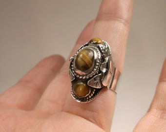 Stunning Antique Taxco Los Castillo Sterling Silver Tigers Eye Poison Hidden Compartment Ring Adjustable CBS 925