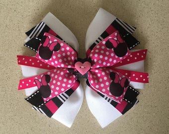Minnie Mouse hair bow. Minnie Mouse headband. Handmade bow.