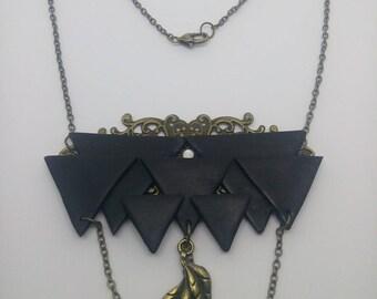 Bronze pattern black triangle necklace