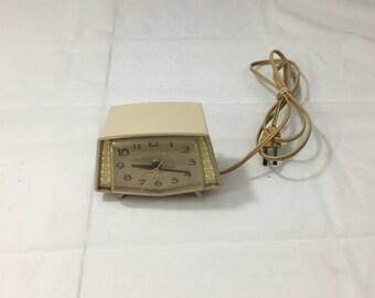 Vintage Mid Century GE Sparkle 7281 Sandalwood Electric Alarm Clock  - Works! - FREE SHIPPING!!