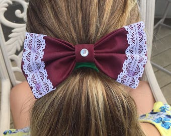 Hair bow/bow tie wirh white lace