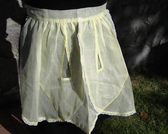 Mid-Century Modern Pale Yellow Sheer Waist Apron with White Lace Trim, 1950's