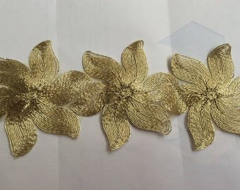 Golden metallic 10 cm wide corded lace