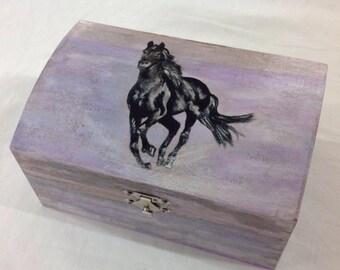 Black horse jewelery box