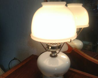 Vintage Currier & Ives Milk Glass Electric Lamp