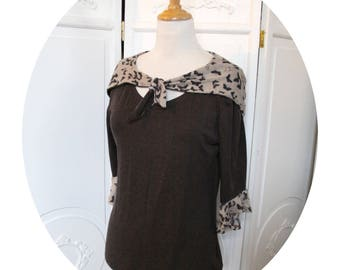 Brown Jersey hooded top butterfly, pagoda sleeves, top Brown has hood, sleeves three quarter top Brown and beige black butterflies