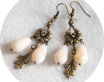 Boucles d'oreilles Baroques bronze et gouttes ivoire, boucles d'oreilles baroque cristal ivoire,boucles d'oreilles gouttes creme et bronze