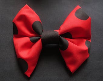 Large giant hair bow Vintage 60s 70 fabric handmade item recycled fabric retro red black spot Minnie Mouse USA Barrette Hair accessory JoJo