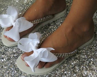 Silver Bridal Flip Flops, Wedding Flip Flops, Flat Bridal Shoes, bridesmaid Shoes, White FlipFlops, Bridal Shower Gift, Silver Women's Shoes