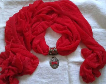 red scarf and its jewel print in bronze