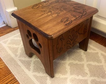 Personalized childrens pine step stool