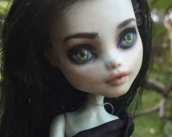 Adrianne Alister (Custom Monster High Repaint OOAK)
