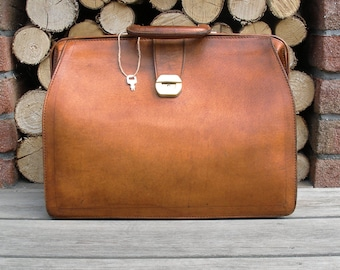 leather briefcase, leather messenger bag, leather bag, leather satchel, leather laptop bag, mens leather briefcase, leather portfolio
