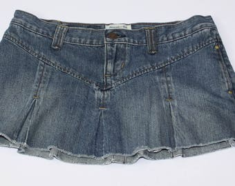 Abercrombie & Fitch women's Denim skirt size 2