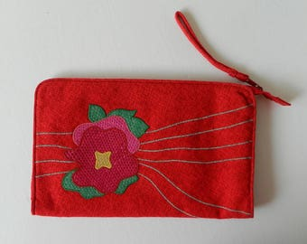 Vintage Cora Jacob for Rustans Large Red Tweed Fabric Clutch Wristlet, Straw Pink Flower Applique Embroidery, Handmade in The Philippines