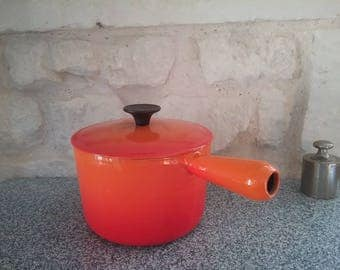 Vintage orange saucepan COUSANCES (former name LE CREUSET) skillet or pot enameled cast iron - diameter 16, made in France 70's