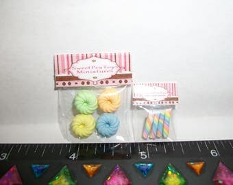 New Dollhouse Miniature Handcrafted Packaged Easter Cookies & Candy Sweet Dessert Food #1419