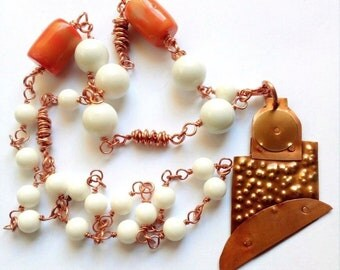 Copper necklace, white agate Sint. and coral bamboo-wire technique