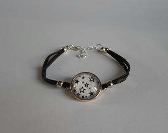 Black lame leather bracelet, cabochon star