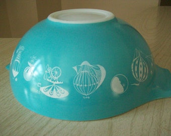 Pyrex Hot Air Balloon Chip Bowl 444