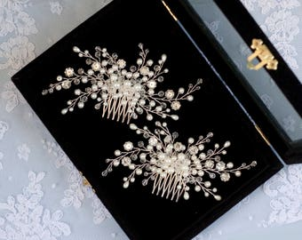 Bridal hair comb, Crystals bridal hair comb, Wedding hair comb, Bridal Headpiece, Pearl bridal hair comb, Crystal and Pearl Bridal Comb.