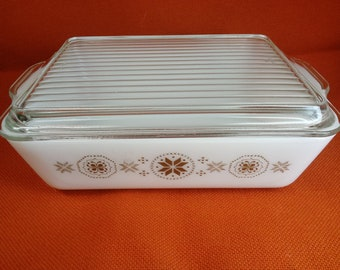 Pyrex Town and Country 1.5qt Refrigerator Dish