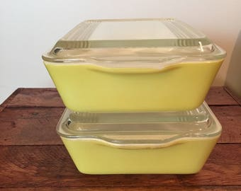 Vintage Pyrex Yellow Refrigerator Dish with Glass Lid 1950s