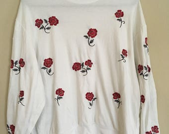 Vintage Rose Patches White Turtle Neck