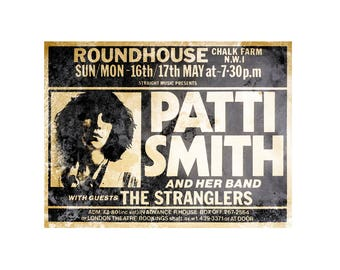 T-SHIRT: Patti Smith / At The Roundhouse - Classic T-Shirt & Ladies Fitted Tee - (LazyCarrot)