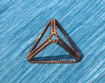 Tetrahedron Pyramid 333MHZ
