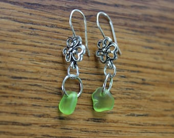 Lime green beach glass flower earrings (silver-plated)