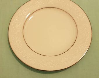 Entree plate - Contemporary Fine China by Noritake- TAHOE 2585 - Sri Lanka -