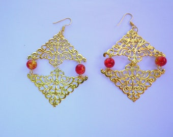 stamp metal triangle earrings gold