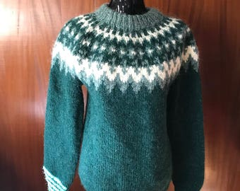 Green and white pullover wool sweater
