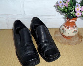 SALE!! Vintage womens shoes, Old black boots, Soviet USSR footwear, Footwear 80s, Spring autumn shoes, Shoes for theater, Low-heeled shoes