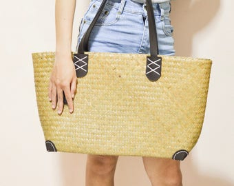 Weaving seagrass shoulder bag, straw bag, straw purse , brown leather strap