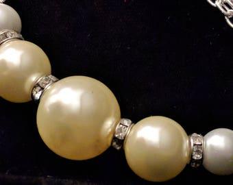 Pearls and Links Beaded Bracelet
