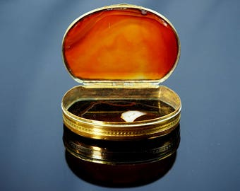 Antique Agate Snuff Box