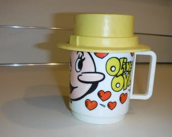 Olive Oyl plastic mug King Features Syndicate 1971 with cap/hat