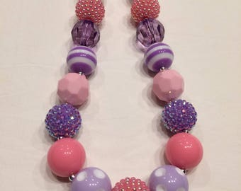 Chunky bead necklace pink purple white Daisey