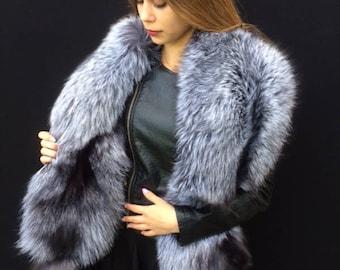 Double Sided Silver Saga Fox Fur Stole Boa Collar 63 inch. Detachable Tails