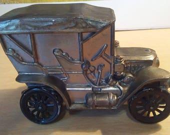1974 Banthrico Chicago 1910 Stanley metal car bank