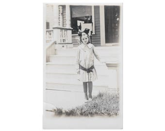 RPPC PEOPLE: Girl Standing in front of House - Vintage Real Photo Postcard -  ca. 1907-1918