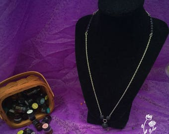 Essential Oil Necklace With Sample Pack.
