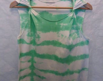 Women's petite size summer tie dyed sleeveless design with a definite tyistyts flair.  Fun loving colors of lime green and white.