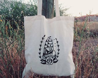 Tote bag boat, hand embroidered