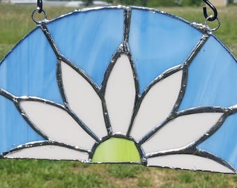 Handcrafted Stained Glass Daisy Art Hanging/Suncatcher